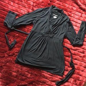 Liz Lange maternity tunic Sz medium Black VGUC